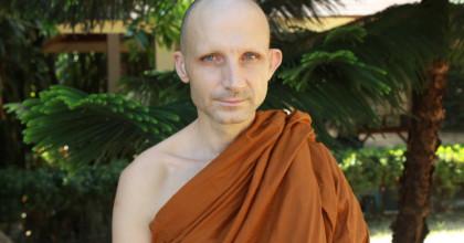 Буддийский монах Пра Випула Дхаммо